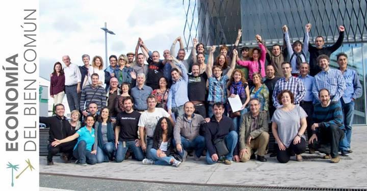 Foto de familia de la fundación de la Asociación Federal Española para el Fomento de la Economía del Bien Común
